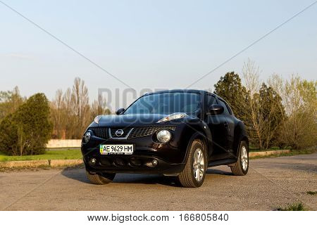 DNIPRO UKRAINE - APRIL 12 2016: NISSAN JUKE IN THE CITY