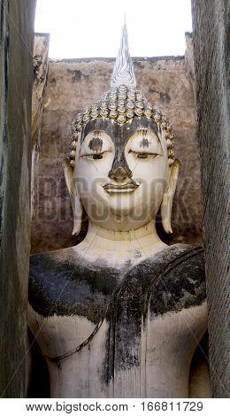 Historical Park Wat Sri Chum Temple Bhudda Statue Closeup