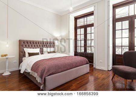 Bright and Fresh Bedroom Suite With Hardwood Floor