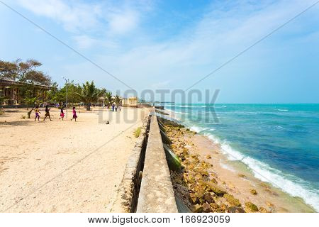 Jaffna Keerimalai Springs Beach Tourists