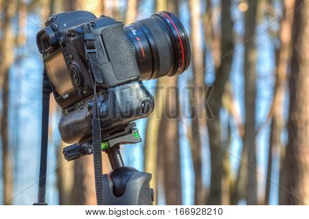 Digital Camera Canon On A Tripod With A Wide-angle Lens. Gomel, Belarus