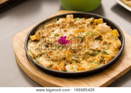 Hot plate Omelette eggs with salted fish and mushroom