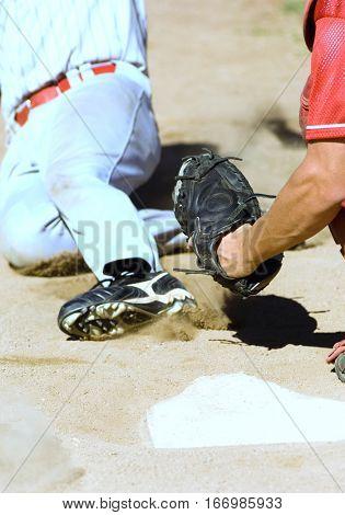 Baseball player stealing base