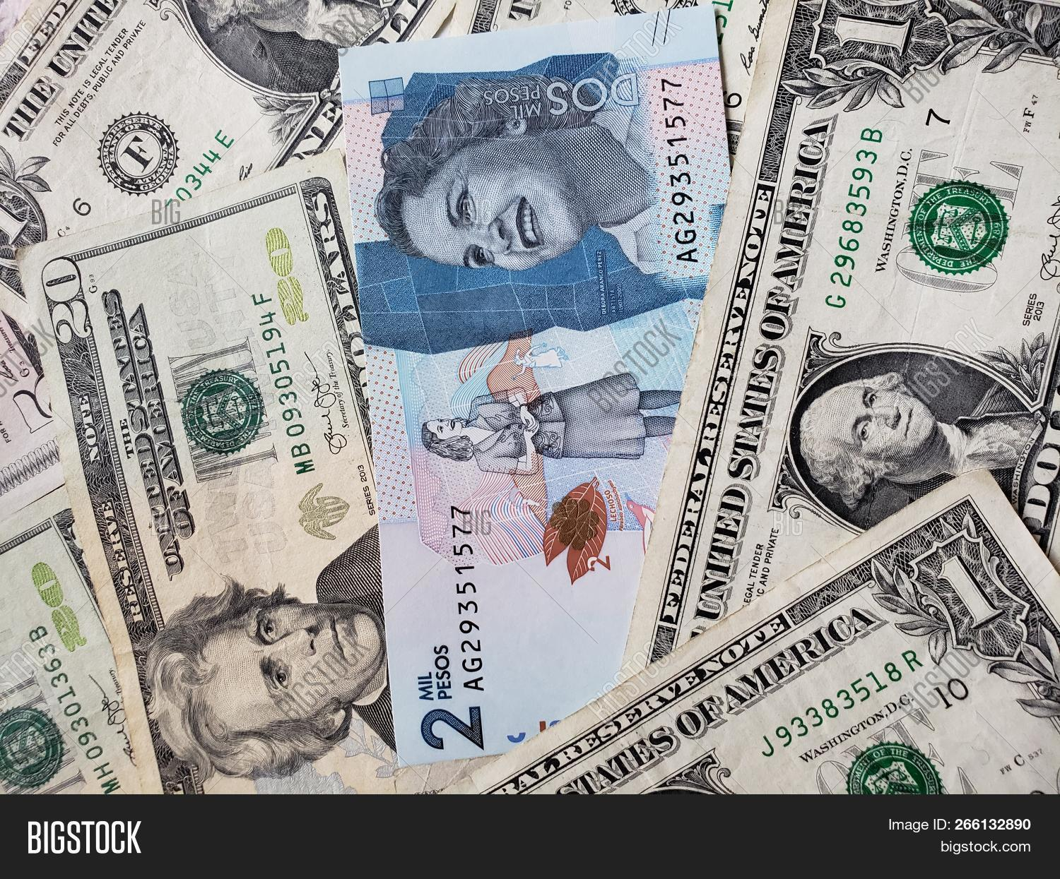 Colombian Banknote Image Photo Free