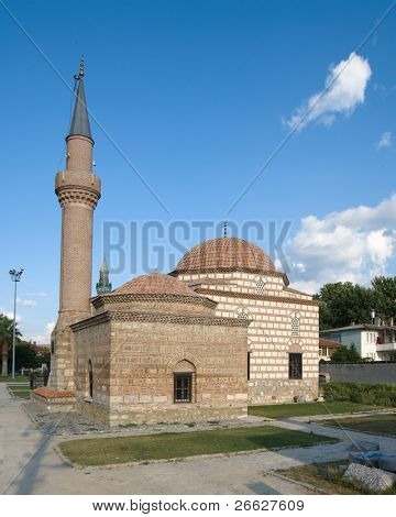 mosque and minaret of Iznik the ancient Byzantine city of Council of Nicea, Turkey