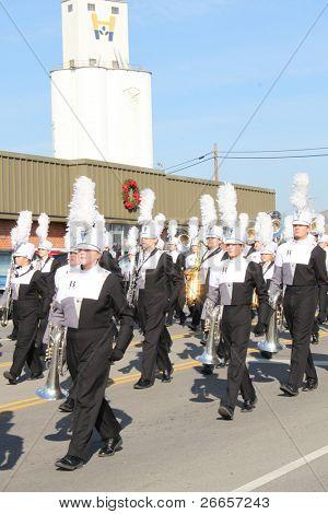 BROKEN ARROW, OK-DECEMBER 4: Hundreds of unidentified school children brave the cold weather to attend the Broken Arrow Christmas Parade on December 4, 2010.