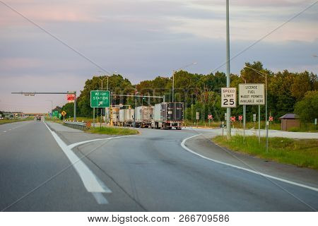 Joplin, Missouri, Usa - July 8, 2018 -  Weigh Station Checkpoint On Interstate I-44 With Commercial