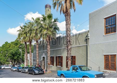 Cape Town, South Africa, August 17, 2018: A Street Scene, With The Historic Auwal Masjid, In The Bo-