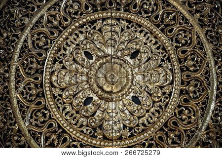 Carved Golden Flower Carving Sculpture Pattern Art