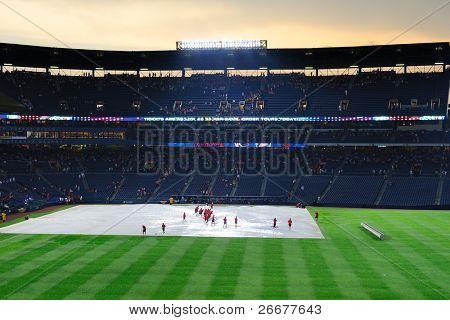 ATLANTA, GEORGIA - JUNE 16: Rain delays at Turner Field during the game between the Atlanta Braves and New York Mets June 16, 2011 in Atlanta, Georgia.