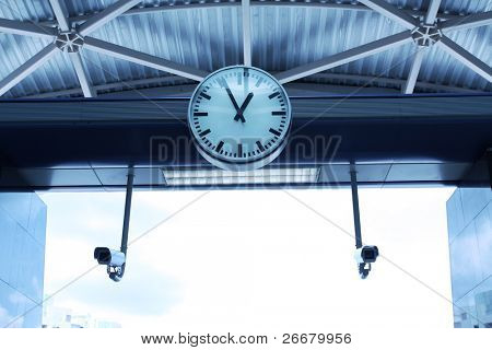 Horologe at platform