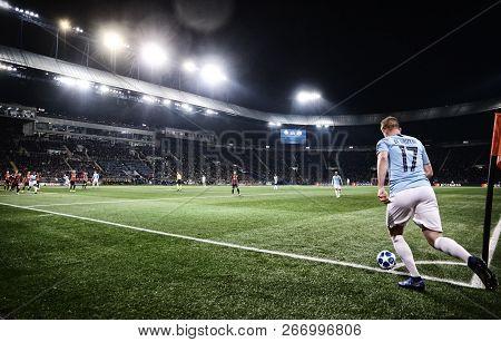 Kharkiv, Ukraine - October 23, 2018: Kevin De Bruyne Of Manchester City Performs A Corner Kick Durin