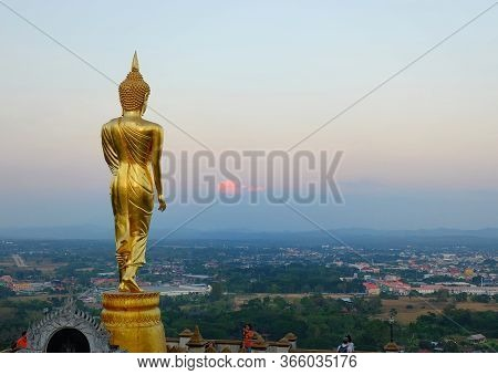 Nan / Thailand - 2019/12/30: Wat Phra That Khao Noi Temple In Northern Thailand With A Large Golden