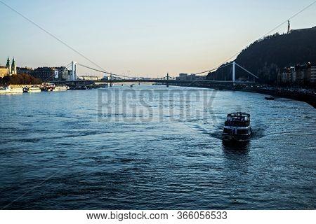 Budapest, Hungary - November 25, 2019: View Elizabeth Bridge Connecting Buda And Pest Along The Danu