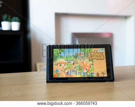May 2020, Uk: Nintendo Switch Screen With Animal Crossing New Horizons Game