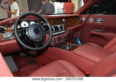 Taguig, Ph - July 13 - Rolls Royce Ghost Dashboard On July 13, 2019 In Bonifacio Global City, Taguig