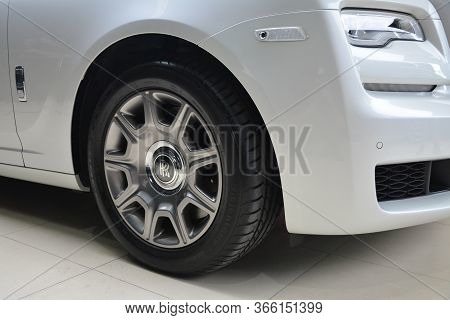 Taguig, Ph - July 13 - Rolls Royce Ghost Wheel On July 13, 2019 In Bonifacio Global City, Taguig, Ph