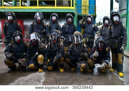 Rayong Province, Thailand ,october 04, 2019 :group Picture Of Firefighters With Oxygen Tank On Their
