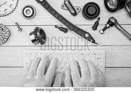 .workspace Of A Car Repair Specialist. Online Consultation. Car Service Blog. Order Spare Parts Onli