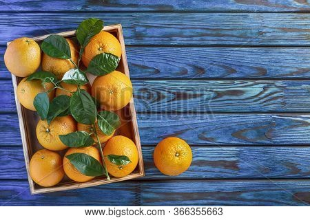 Fresh Ripe Healthy Citrus Fresh Oranges Wooden Crate, Thailand, Citrus, Citrus Fruit, Valencia