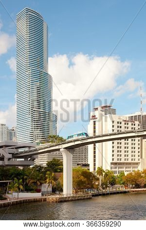 Downtown, Miami, Florida, United States - March 13, 2012: Metromover Over The Miami River And Miami