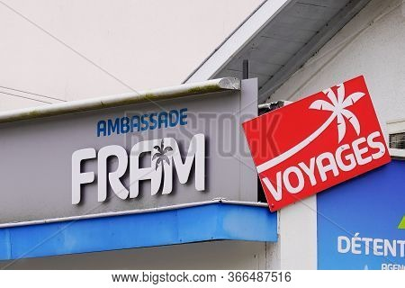 Bordeaux , Aquitaine / France - 03 11 2020 : Fram Voyages Logo Travel Brand Agency Sign Shop Store O