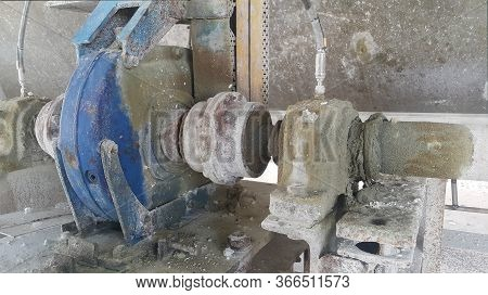 Support Bearing Housing Unit , Preventine Maintenance Automatic Refill Grease On The Machine