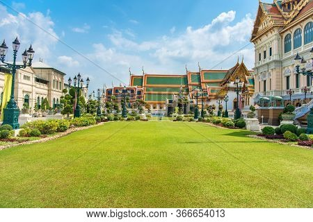 Grand Palace Complex, Green Lawn In Front Of Chakri Maha Prasat Throne Hall. Bangkok, Thailand