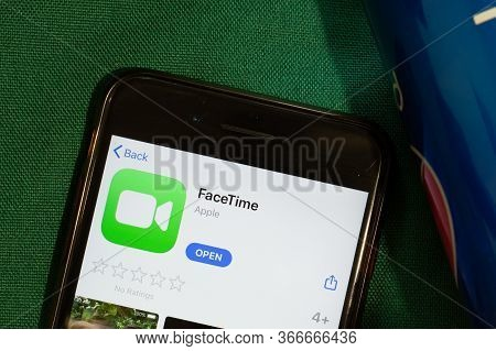New York, Usa - 15 May 2020: Facetime Mobile App Logo On Phone Screen, Close-up Icon, Illustrative E