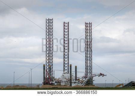 Grenaa, Denmark - 10 Maj 2020: Maersk Innovator Drilling Platform That Is In Dock In Grenaa. Great M