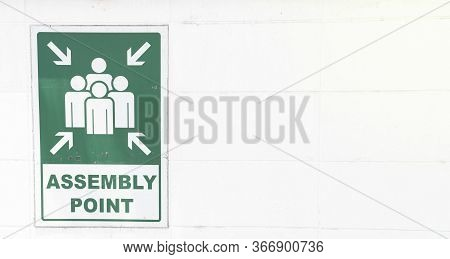 Emergency Evacuation Assembly Point Sign, Gathering Point Signboard In The Departmenstore, For Secur