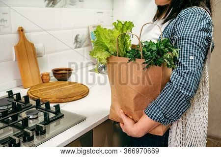 Grocery Delivery Services, Online Shopping. Home Smart Food Grocery Delivery. Woman Customer Receivi