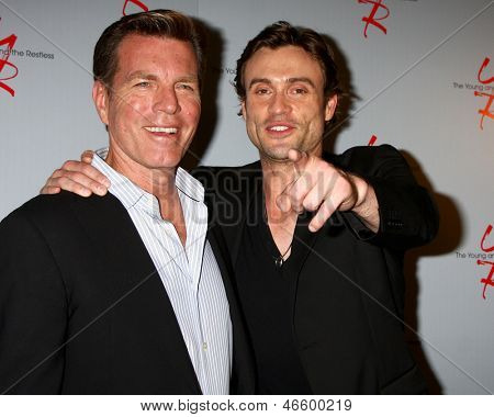 LOS ANGELES - JUN 4:  Peter Bregman, Daniel Goddard arrives at SAG-AFTRA Panel Discussion With The Cast Of