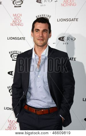 LOS ANGELES - JUN 5:  Sean Maher arrives at the