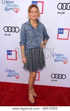 LOS ANGELES - JUN 8:  Sasha Alexander arrives at the 1st Annual Children Mending Hearts Style Sunday at the Private Residence on June 8, 2013 in Beverly Hills, CA
