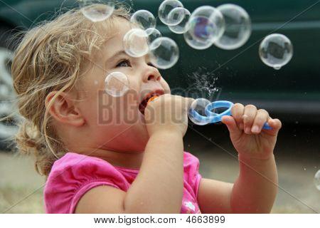 Soprando bolhas
