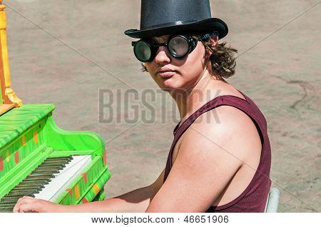 Steam-punk Piano Player