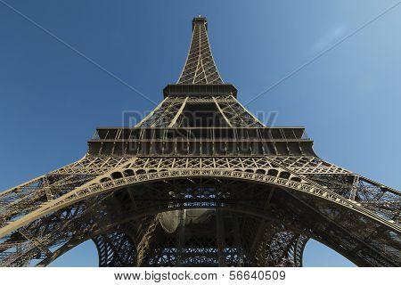 Eiffelturm Untersicht