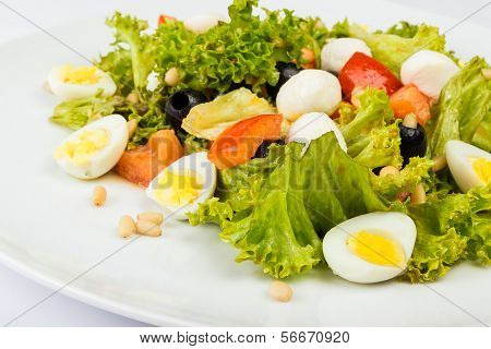 Salad With Quail Eggs And Pepper