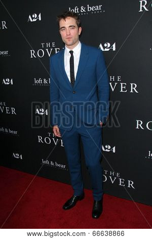 LOS ANGELES - JUN 12:  Robert Pattinson at the