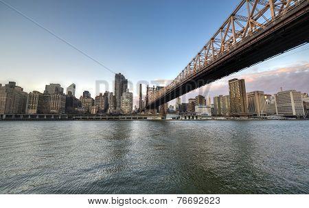 Roosevelt Island And Queensboro Bridge, Manhattan, New York
