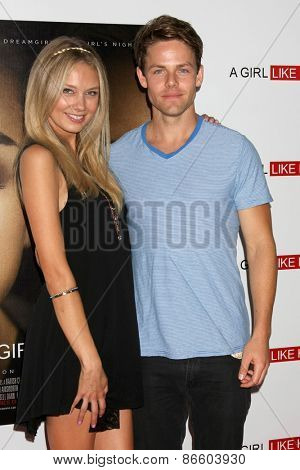 LOS ANGELES - MAR 27:  Melissa Ordway, Lachlan Buchanan at the