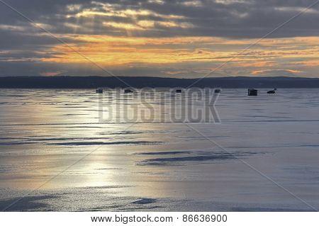 Ice fishing huts 078