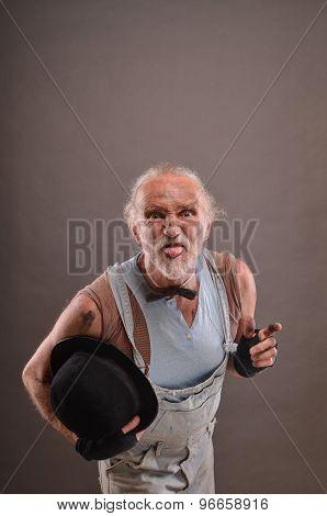 Mocking Old Beggar