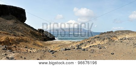 Gulley To The Beach