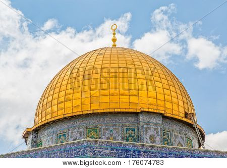Detail of the Dome of the Rock architecture, an Islamic shrine located on the Temple Mount in the old city Jerusalem, Israel.