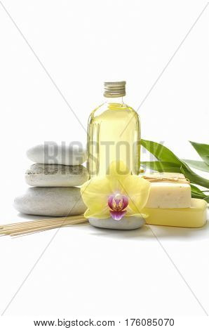 Spa set with white bamboo leaf