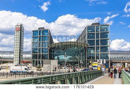 Berlin Central Railway Station (berlin Hauptbahnhof)