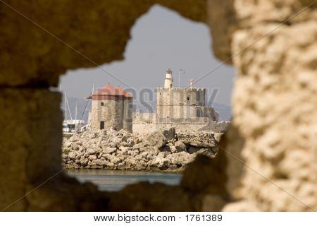 070415_201_Rhodes_Castle_Wall