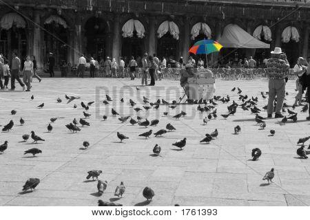 070423_346_Venice_St_Marks_Square